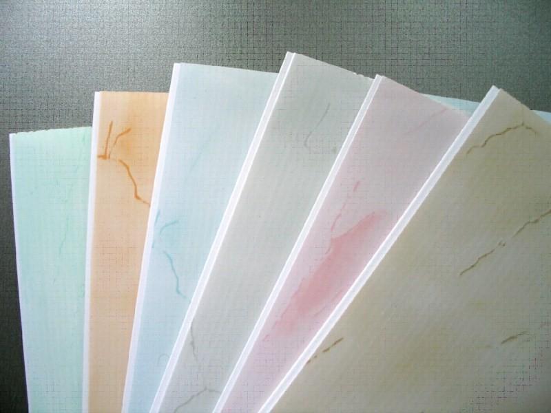 Ассортимент расцветок ПВХ панелей