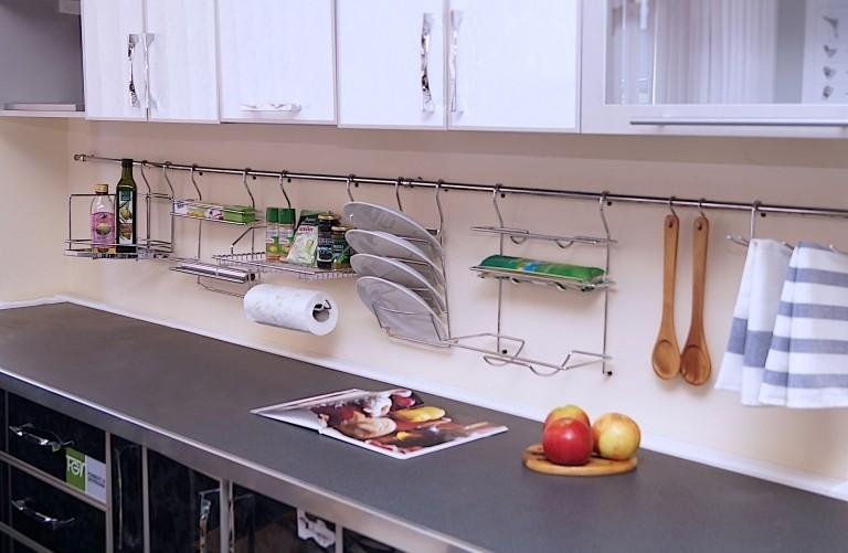 Функциональная зона в кухонном гарнитуре