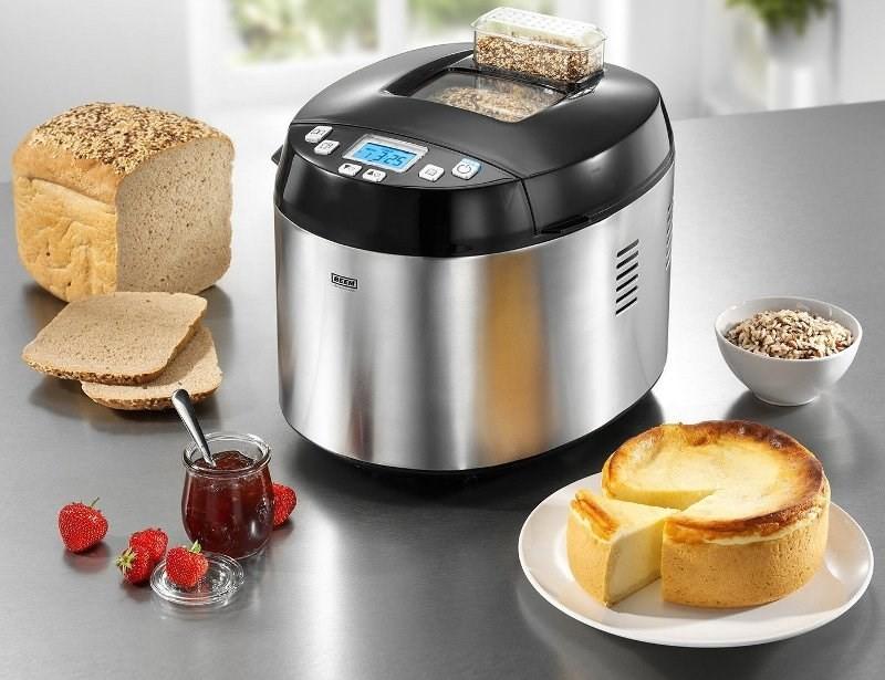 Хлебопечка, запеканка и хлеб с добавками