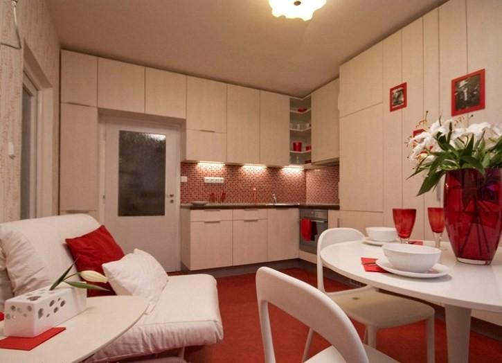 Кресло-кровать на кухне