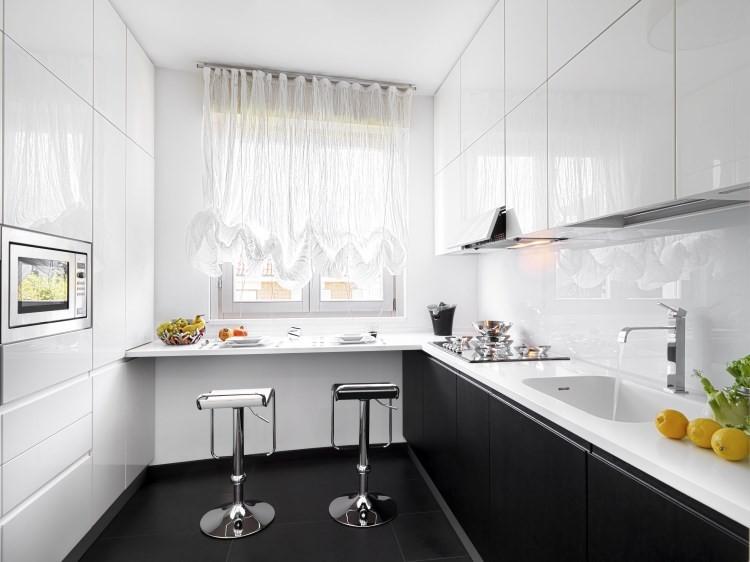 кухонные гарнитуры до потолка фото