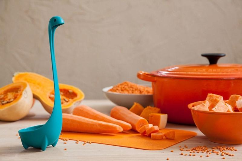 Полезные мелочи для кухни: половник на ножках