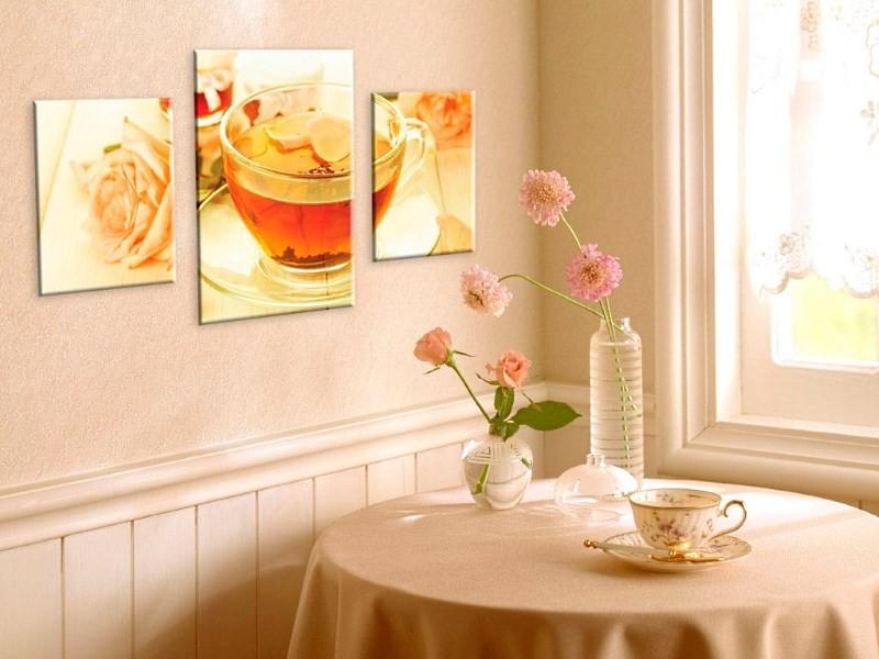 Картинки на стене в кухне