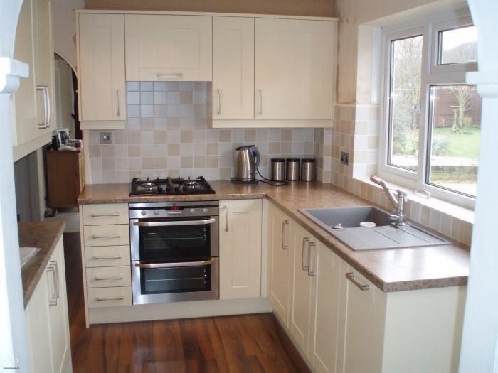 Мебель в кухне 6 кв. м