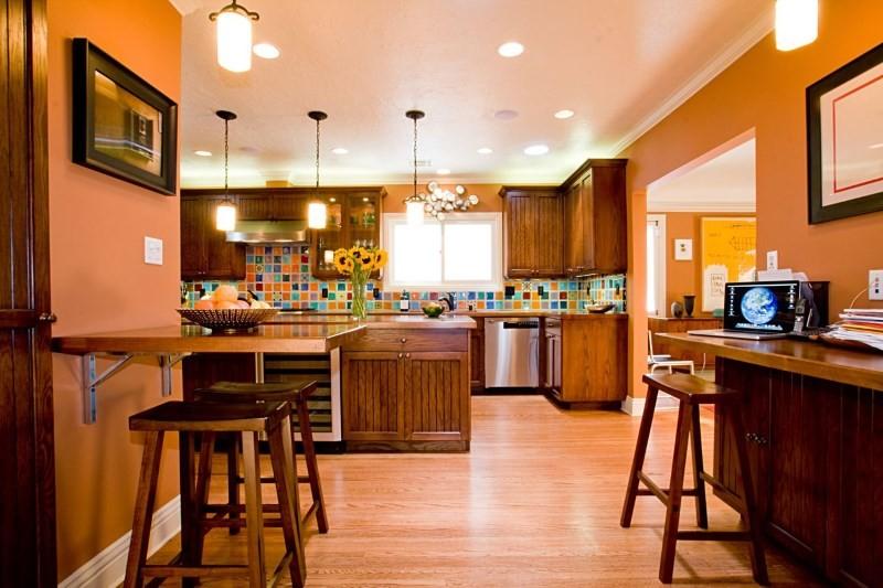Оранжевый цвет кухни