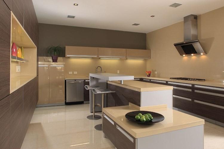 Мебель в стиле хай-тек на кухне