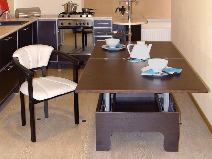 Стул-кресло на кухне
