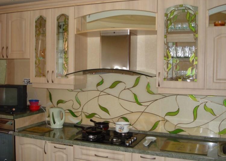 Витраж на кухонном фартуке