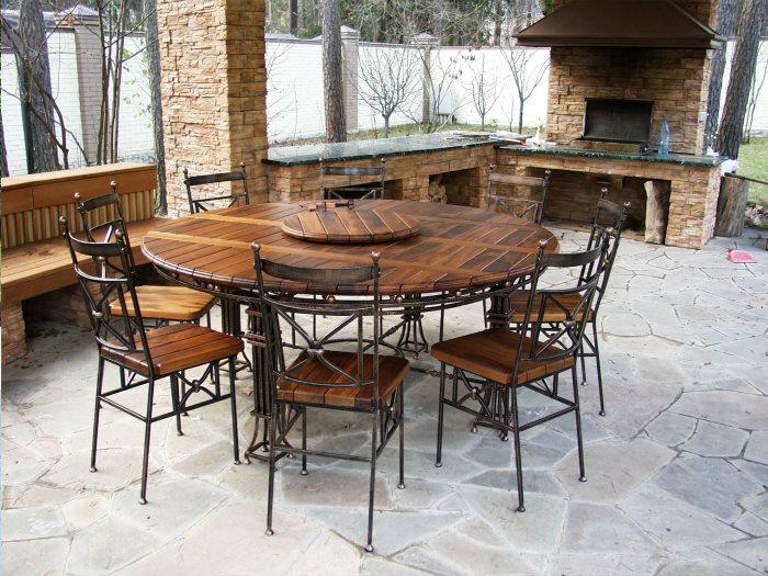 Кованая мебель: стол и стулья
