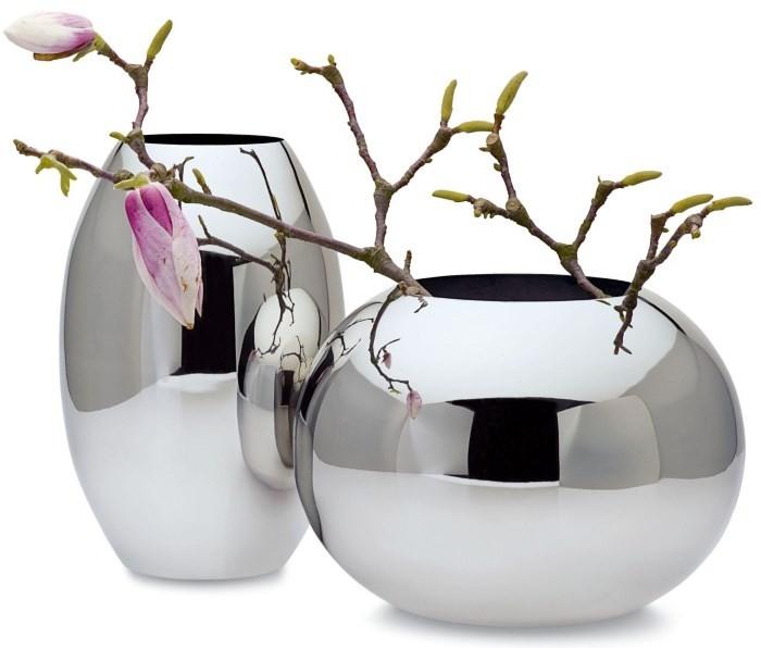 Металлические декоративные вазы