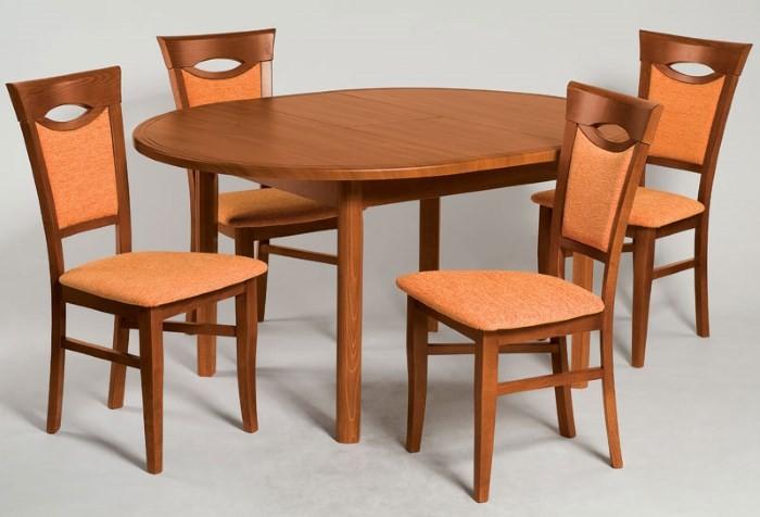 Обеденные стулья и стол