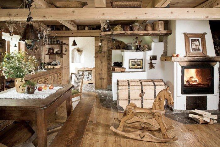 Старинные вещицы в интерьере дачной кухни