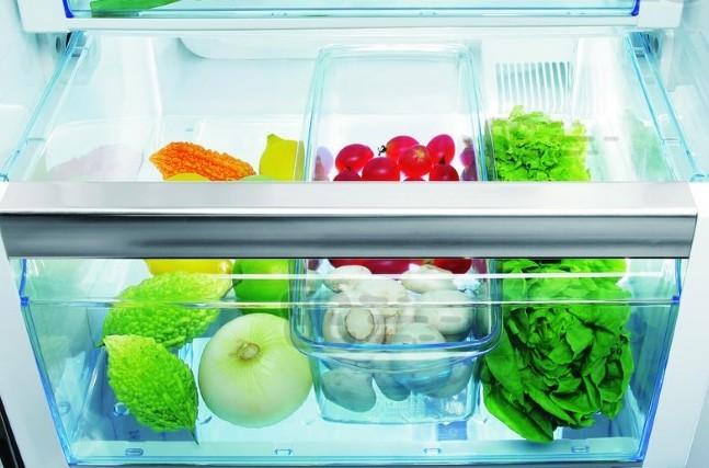Отсек в холодильнике для овощей