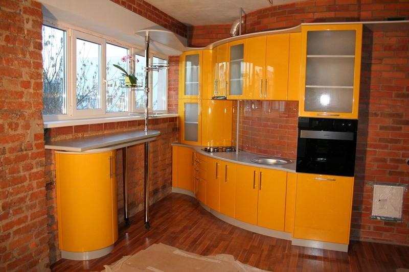 Закругленные шкафы на кухне