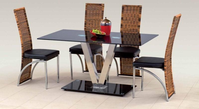 Стеклянный одноногий стол