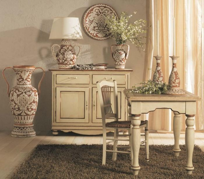 Декоративные вазы для интерьера