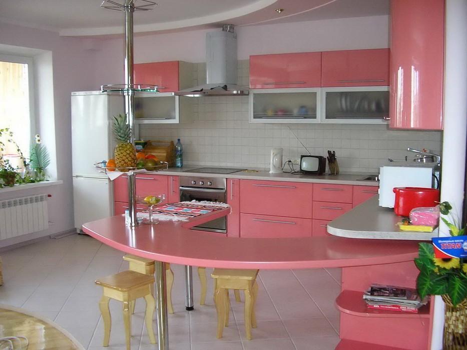 Дизайн кухни с угловой барной стойкой