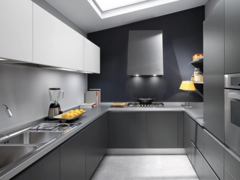 Серо белая кухня в интерьере фото
