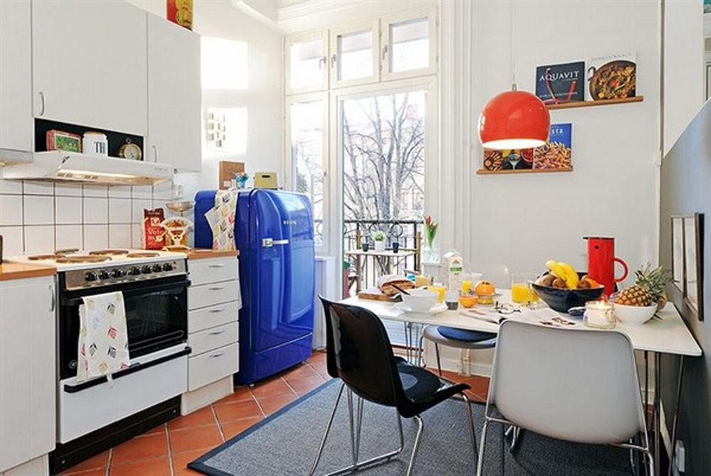 Холодильник синий в интерьере
