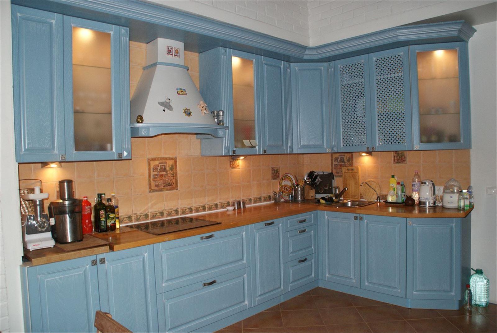Кухни голубого цвета фото