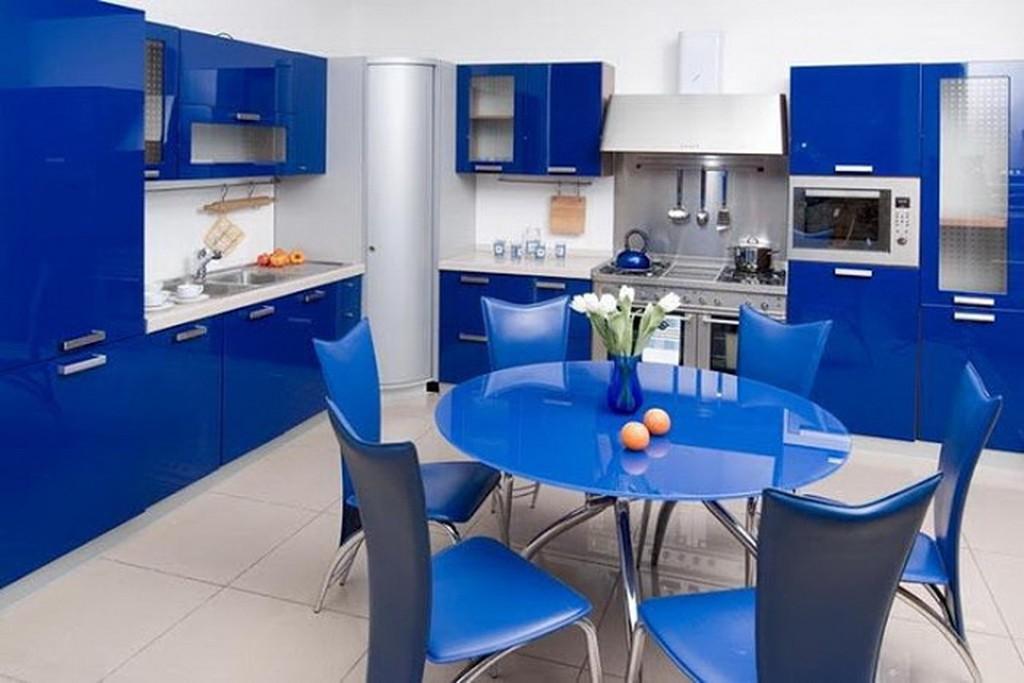 Дизайн кухни белый с синим