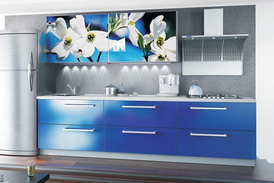 Синий глянец кухня