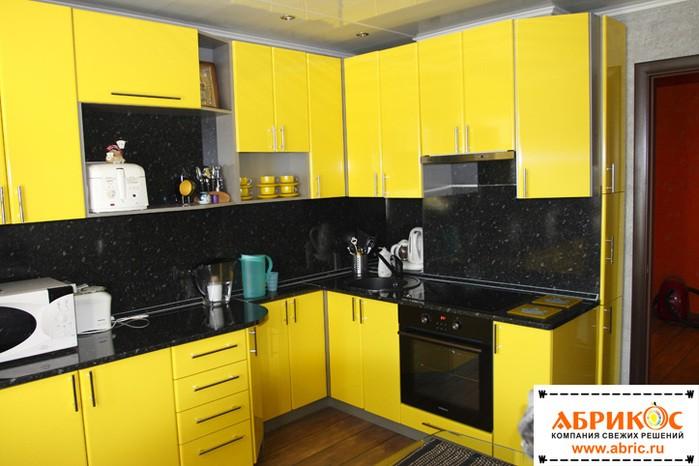 Кухня желтая с черным фото дизайн