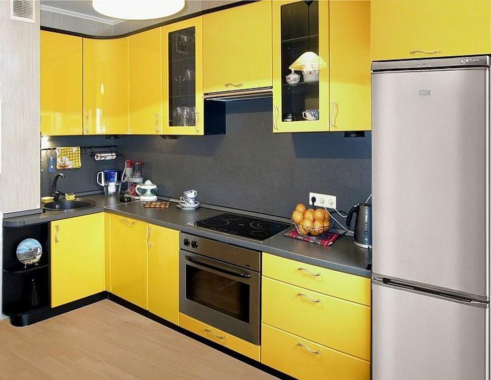Желтые кухни с черным дизайн