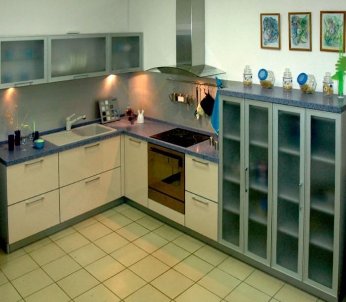 Кухонные шкафы с матовым стеклом