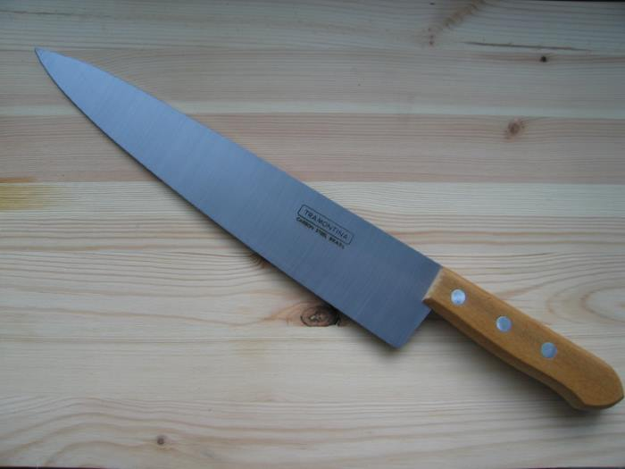 Кухонный нож из углеродистой стали Tramontina