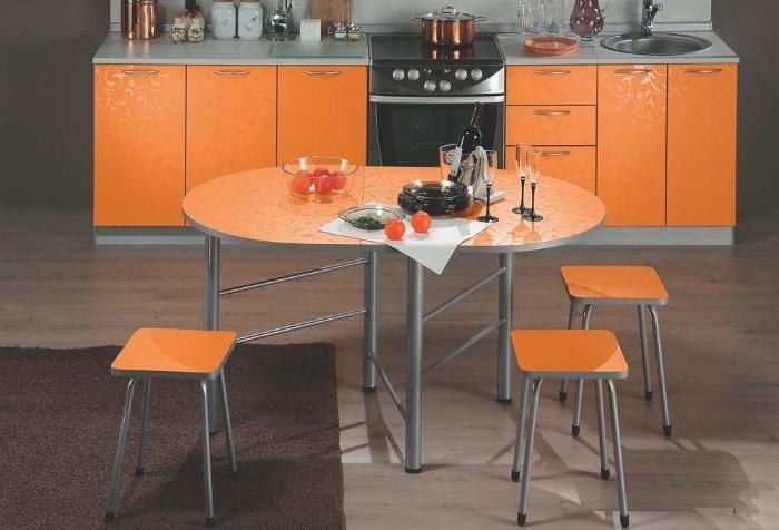 Обеденный овальный стол
