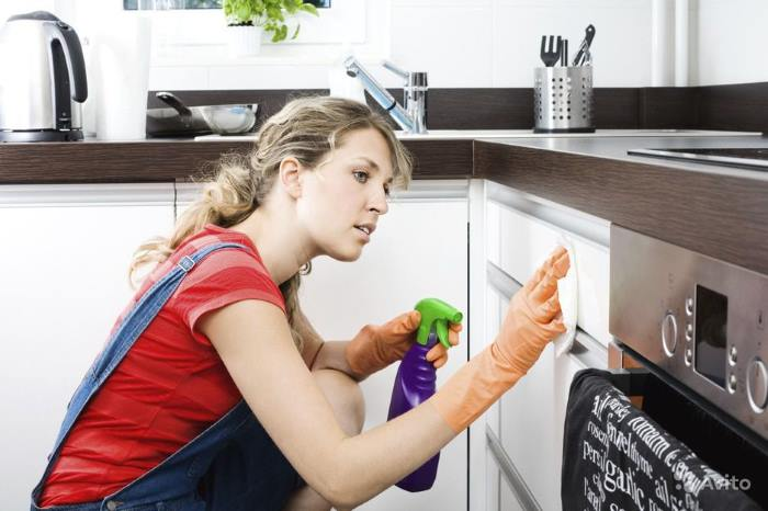 Очищение кухни от жира