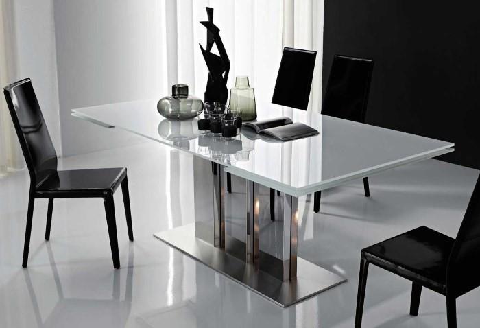Раздвижной стеклянный стол