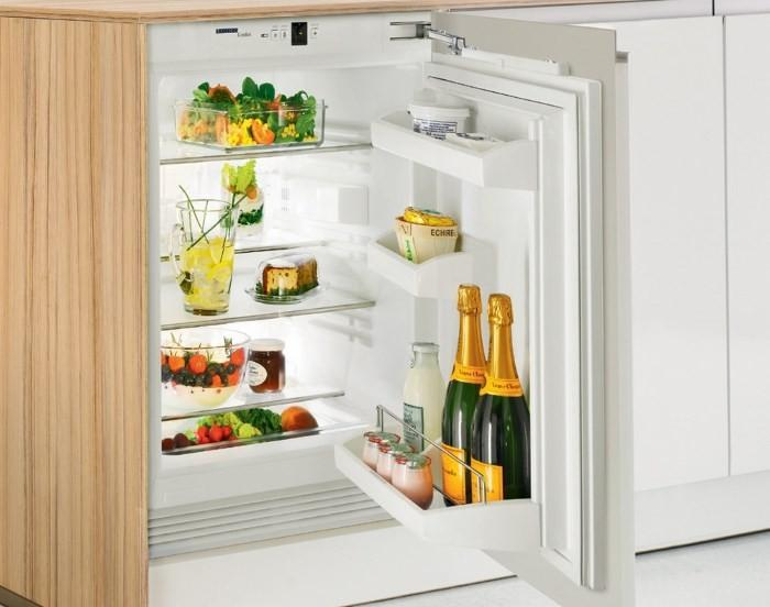 Встроенный однокамерный холодильник