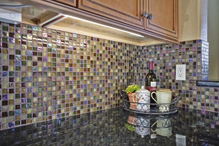 Кухонный фартук из мозаичной плитки