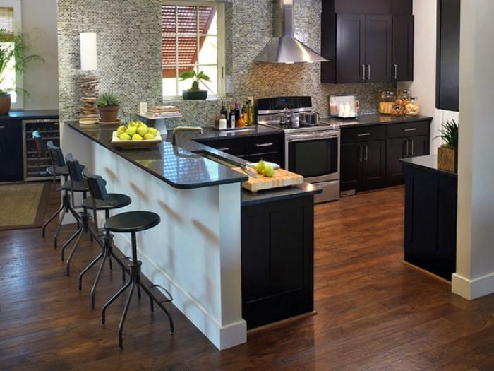 Кухонная мебель с барной стойкой