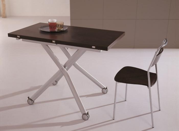 Обеденный стол на колесиках