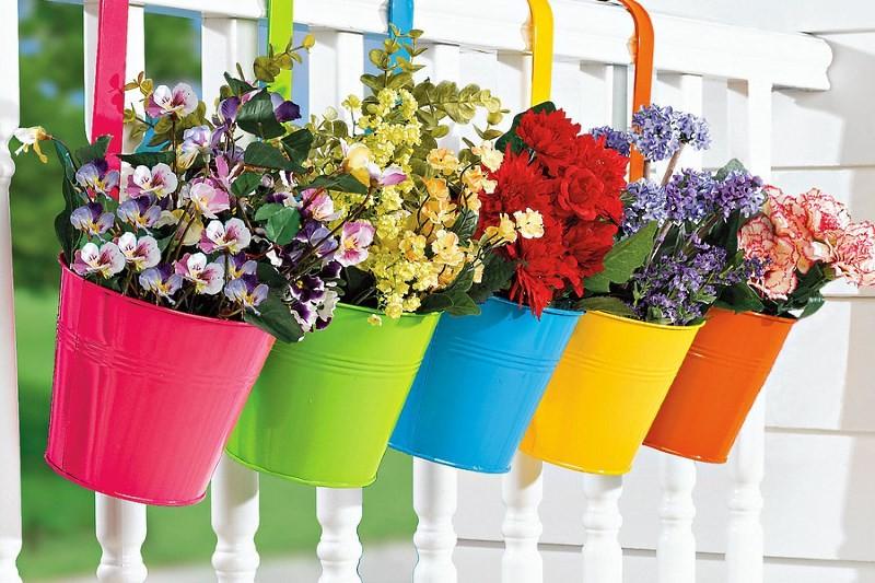 Яркие цветочные кашпо