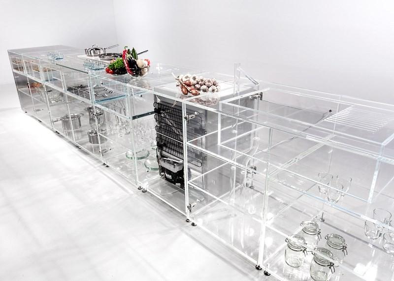 Кухня из стекла