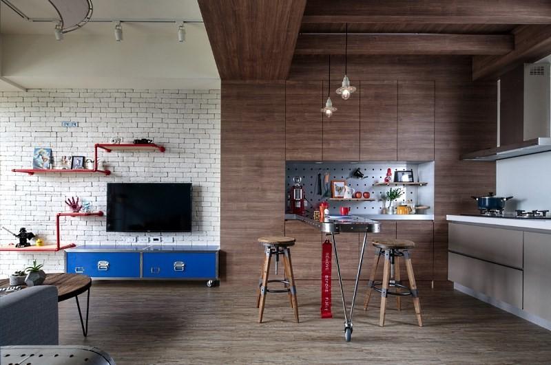 Кухня студия с дизайнерской барной стойкой