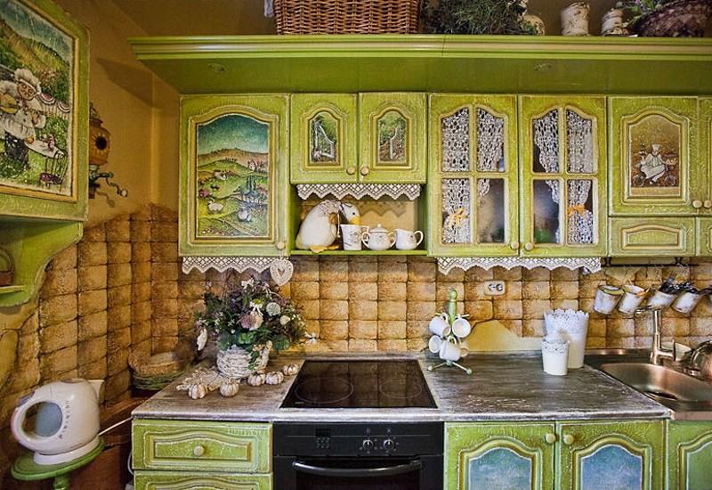 Декупаж шкафов на кухне
