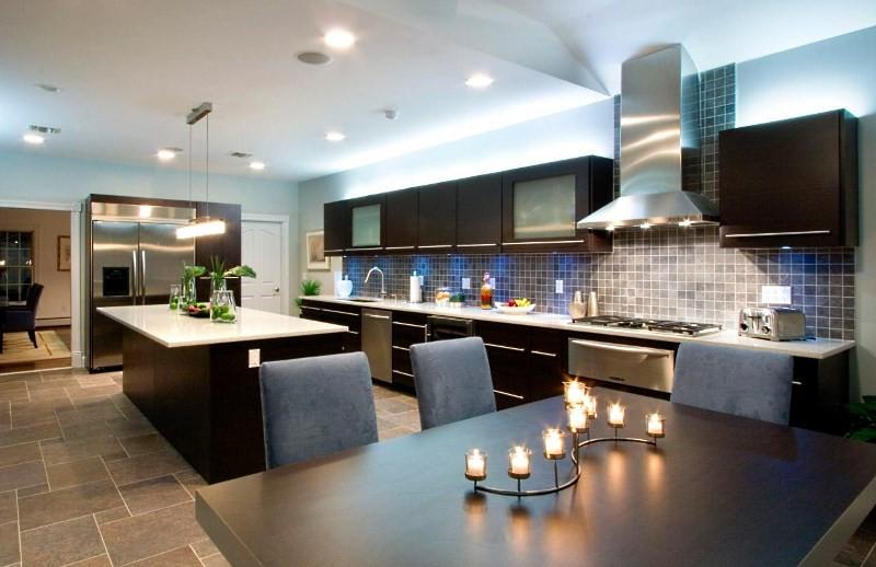 Островная кухня модерн