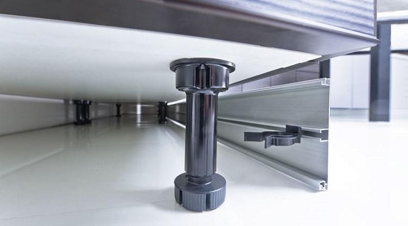 Ножки для шкафа на кухне