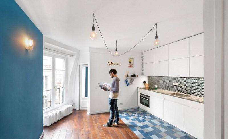 пол на кухне из плитки и ламината
