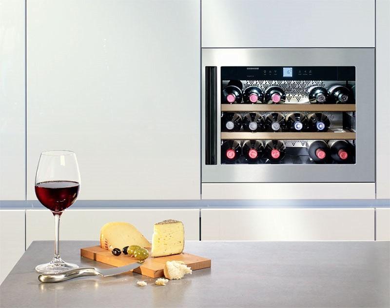 встроенный винный холодильник