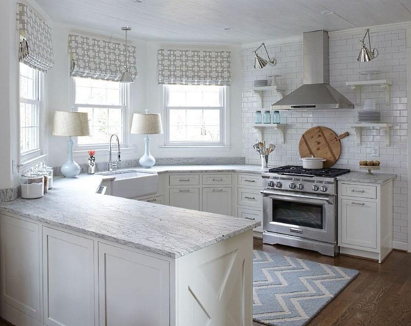 кухонная мойка в эркерной зоне