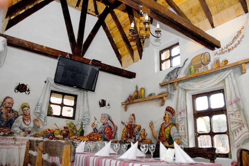 потолок на кухне в украинском стиле