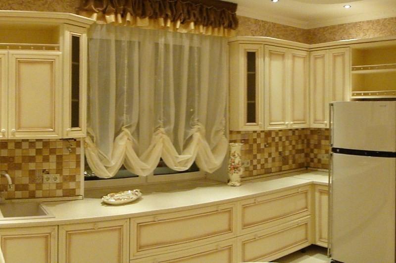 тюлевые шторы на кухне