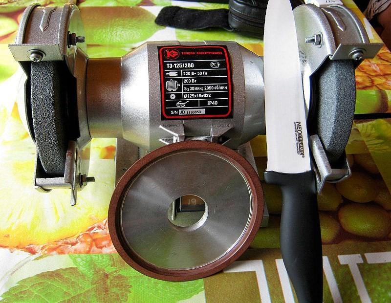 керамический нож и точильный станок