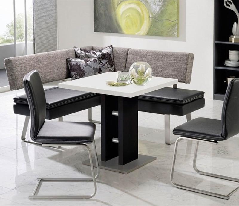 Квадратный белый стол